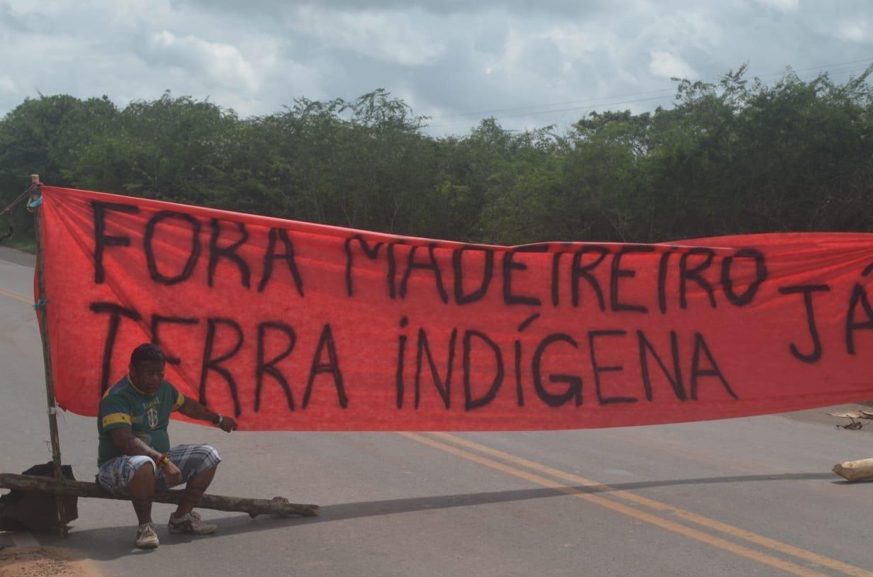 Una protesta contra los madereros
