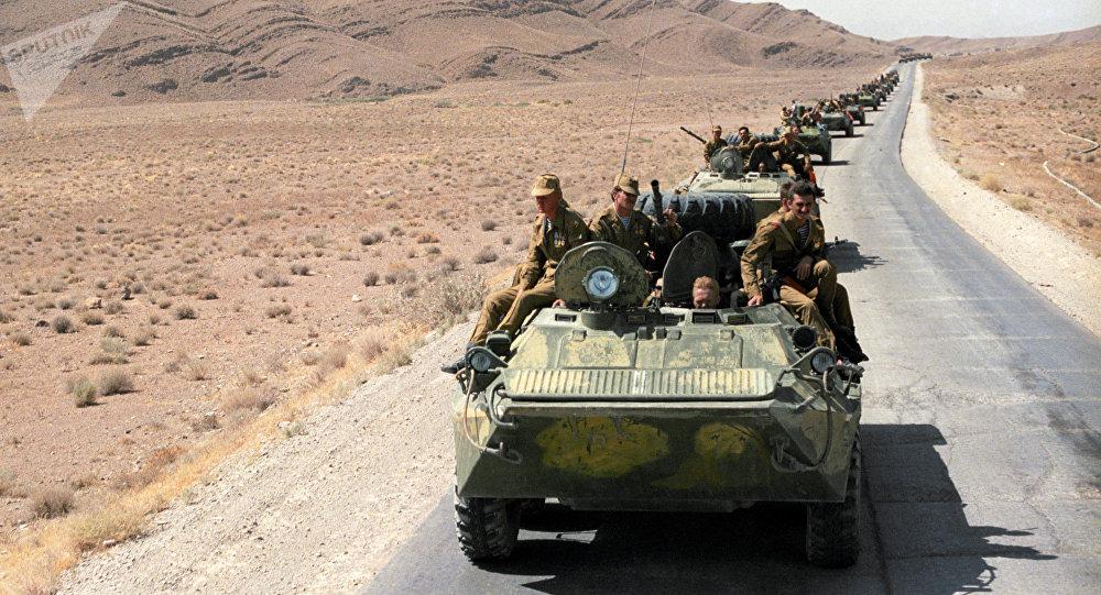 La retirada de las tropas soviéticas de Afganistán en 1988 (archivo)