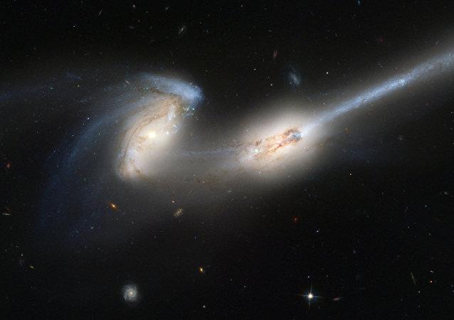 Fusión de galaxias (imágen referencial)