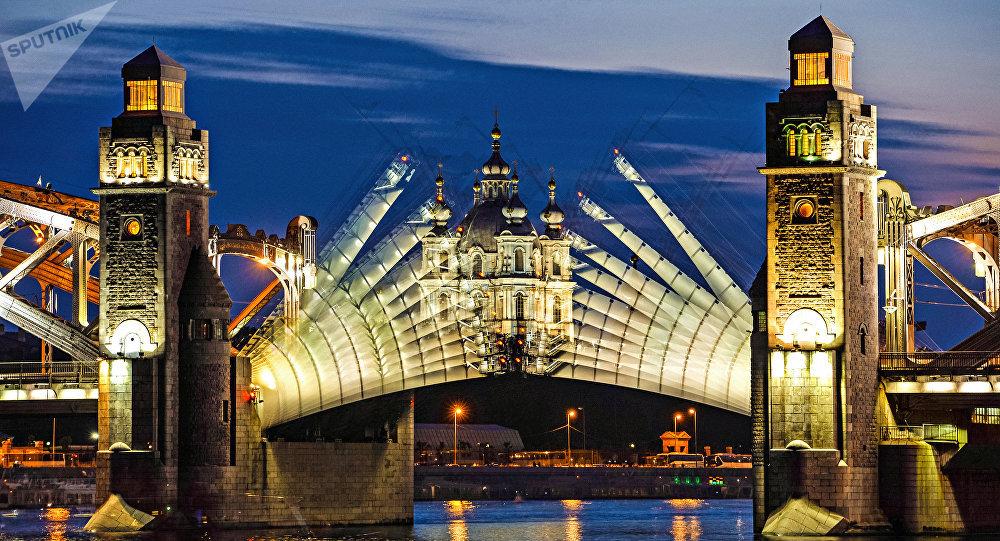 Los puentes en San Petersburgo, Rusia