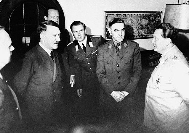 Adolf Hitler recibe al líder del llamado Estado Independiente de Croacia, Ante Pavelic, en Alemania, 6 de junio de 1941