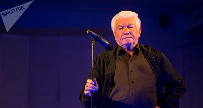 Vladímir Voinóvich, escritor ruso