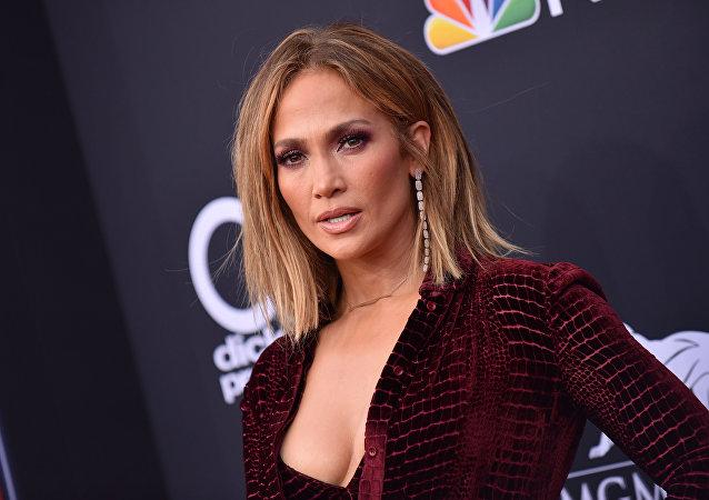 Jennifer Lopez, cantante estadounidense