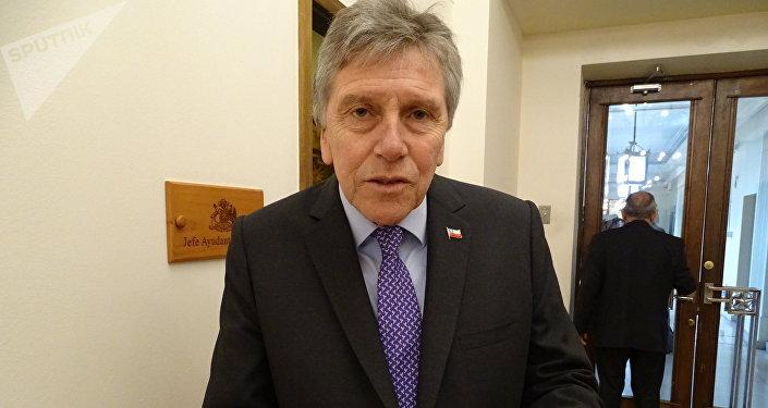 Alberto Espina, el ministro de Defensa de Chile