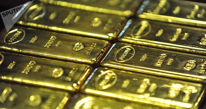Producción de lingotes de oro en Rusia (archivo)