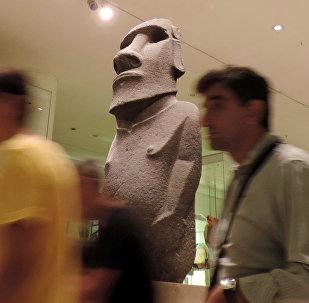 Estatua de Isla de Pascua en el Museo Británico de Londres