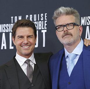 Tom Cruise y Christopher McQuarrie durante el estreno de Misión Imposible 6 en Washington