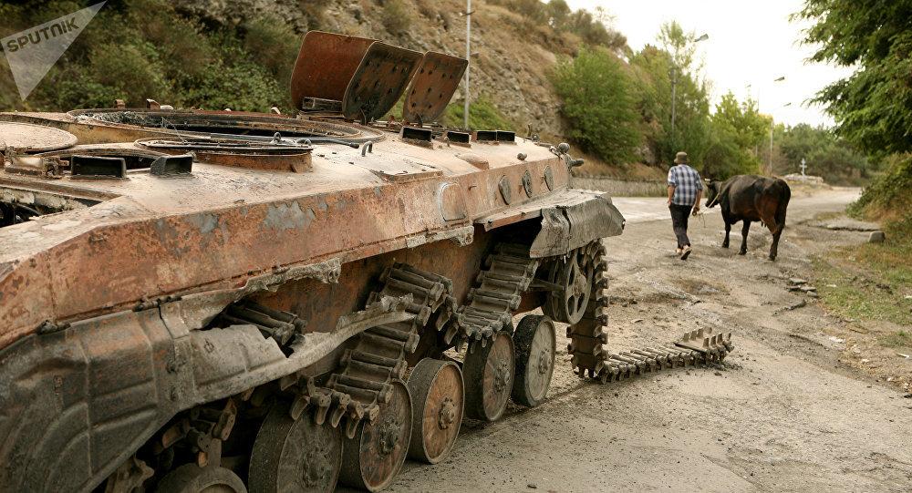 Tsjinval, capital de Osetia del Sur, en agosto de 2008 (archivo)