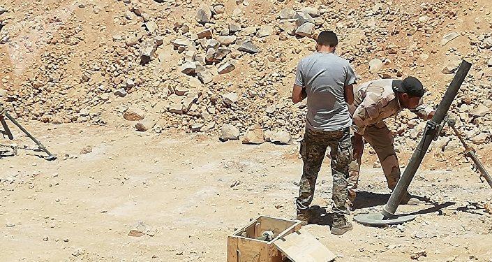 Militares sirios en desierto en Al Suwaida