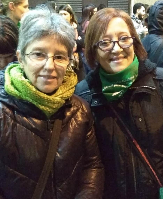 Rosario y Claudia, del colectivo uruguayo de mujeres Las Puñadito.