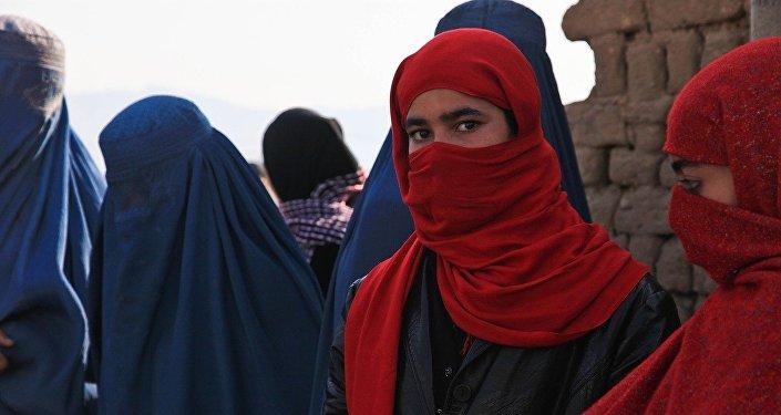Unas mujeres en burkas