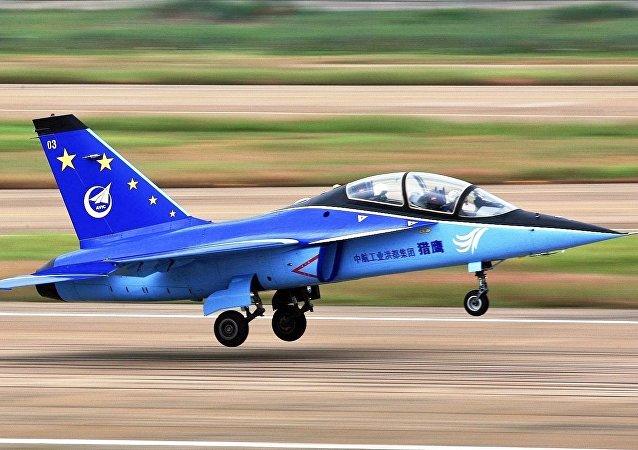 Avión de entrenamiento avanzado L-15, foto archivo