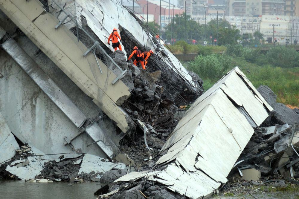 Las primeras imágenes de la tragedia que dejó numerosos muertos en Génova