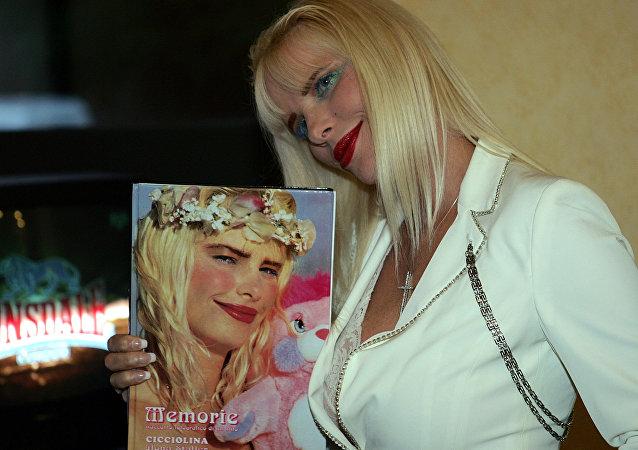 Ilona Staller, exactriz porno italiana (archivo)