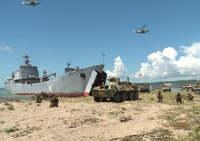 Militares rusos 'desembarcan' en una playa de Abjasia