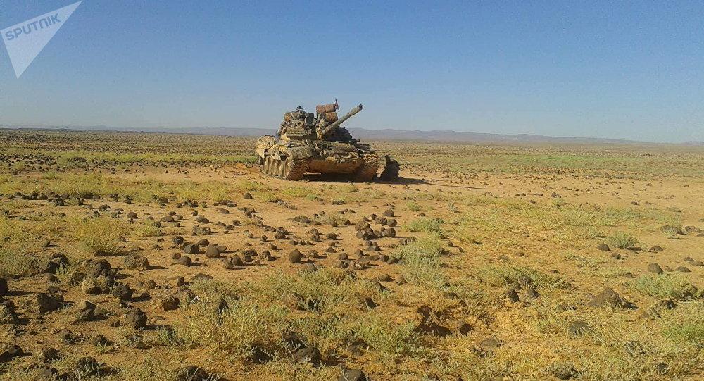 Un tanque T-55 de producción soviética en Siria