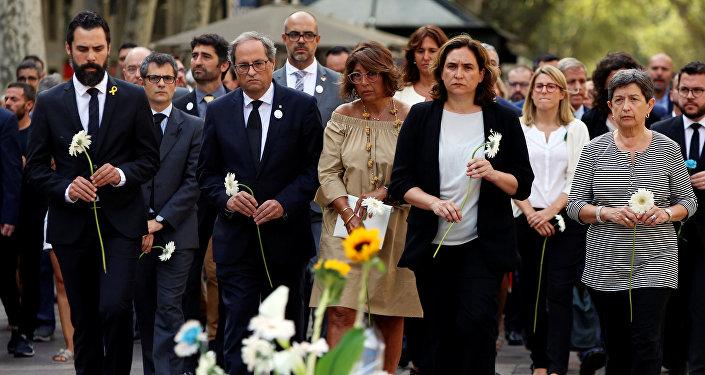 Políticos catalanes homenajean a víctimas de los atentados en Cataluña