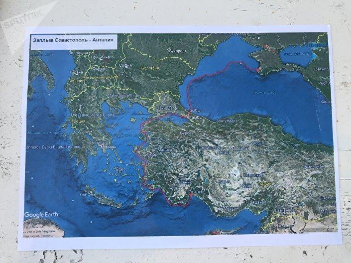 El mapa con la ruta de los viajeros rusos Vladímir Lijachov y Yuri Burlak. Foto del archivo personal de Yuri Burlak