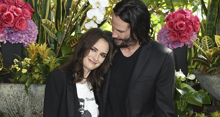 Winona Ryder y Keanu Reeves en 2018