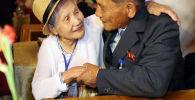 Hombres y mujeres de muy avanzada edad han vuelvo a reencontrarse gracias al deshielo entre los dos países.