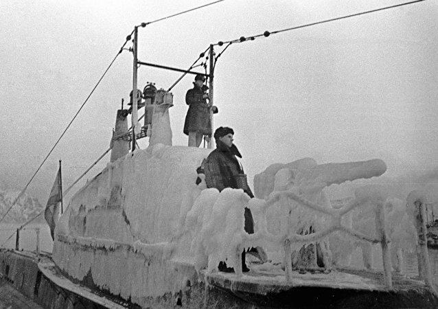 Un submarino helado de la Flota del Norte de la URSS en 1943