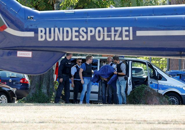 Magomed Ali S. detenido después de abandonar la Oficina del Fiscal General en el Tribunal Supremo Federal, Alemania