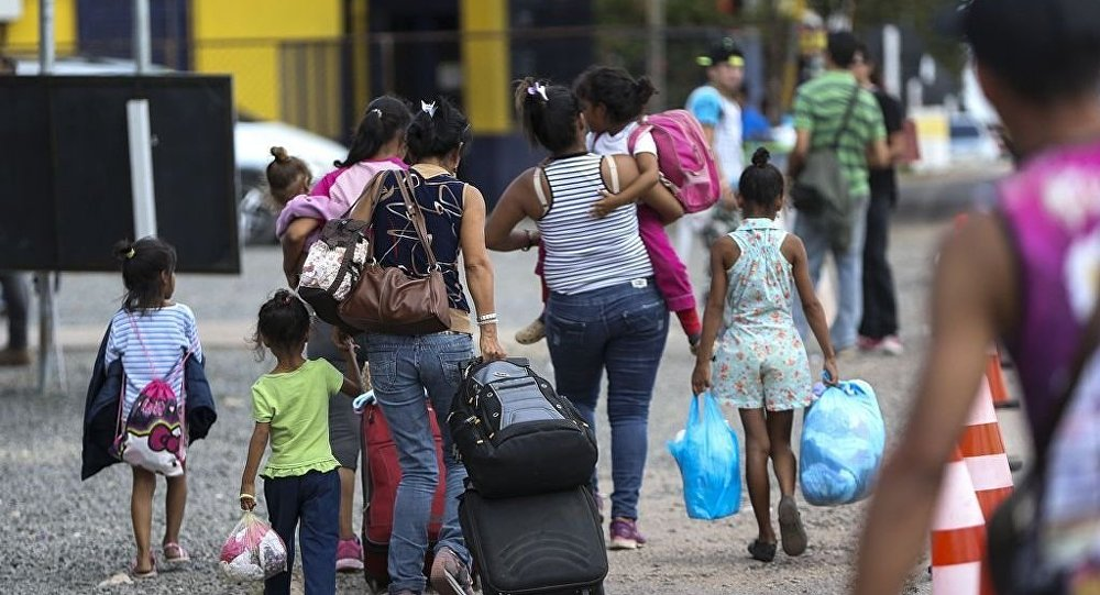 Inmigrantes venezolanos en la frontera con Brasil (archivo)