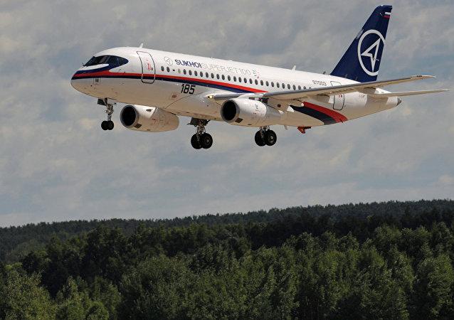 Un avión Sukhoi Superjet 100
