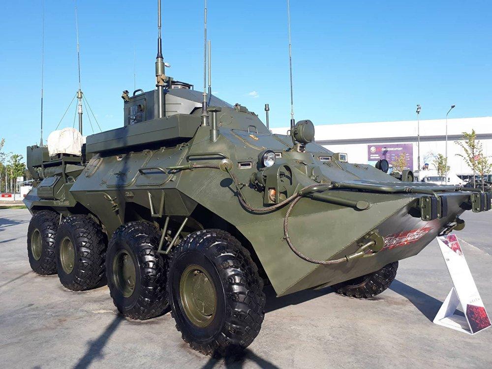 El R-149МА1 es el último modelo de blindado, destinado a operar como centro de comando móvil en condiciones de combate