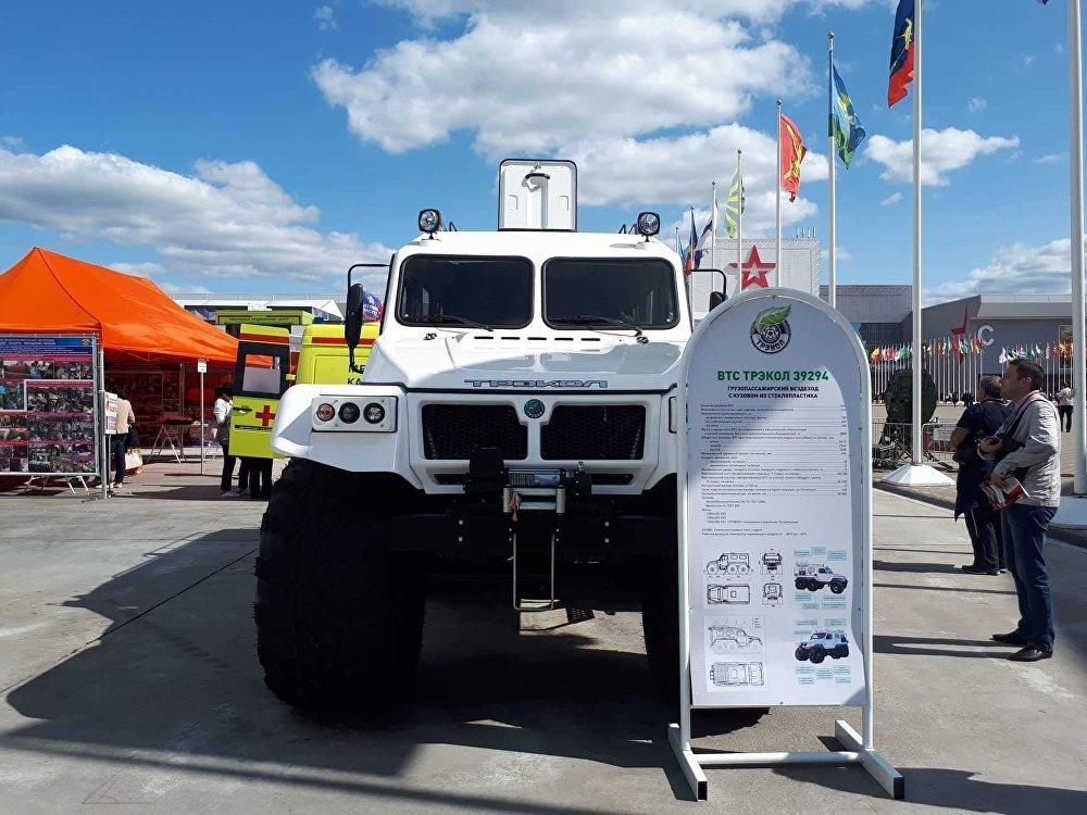 El Trekol-39294 es un vehículo todoterreno y anfibio 6×6 ensamblado especialmente con piezas capaces de operar a temperaturas de –45 a +45 °C