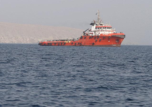 Un buque en el estrecho de Ormuz