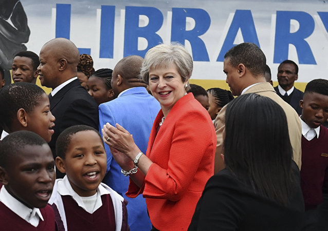 Theresa May, primera ministra británica, durante su visita oficial a Sudáfrica