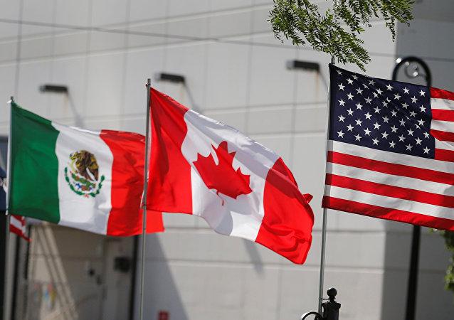 Banderas de México, Canadá y EEUU