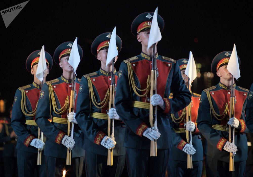 Así culminó el Festival Internacional de Música Militar Torre Spásskaya