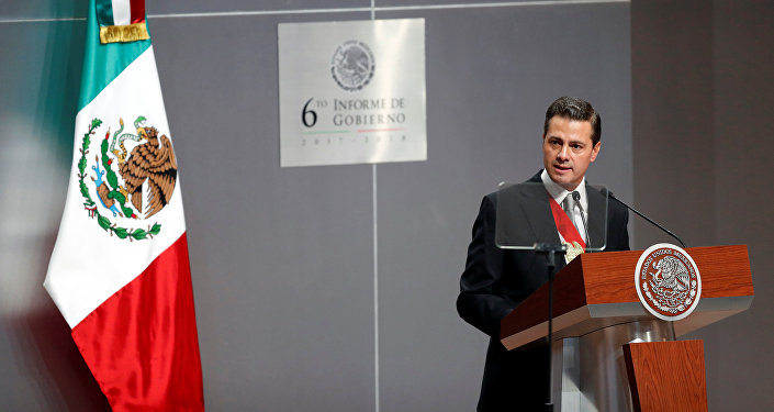 Enrique Peña Nieto, presidente saliente de México (archivo)