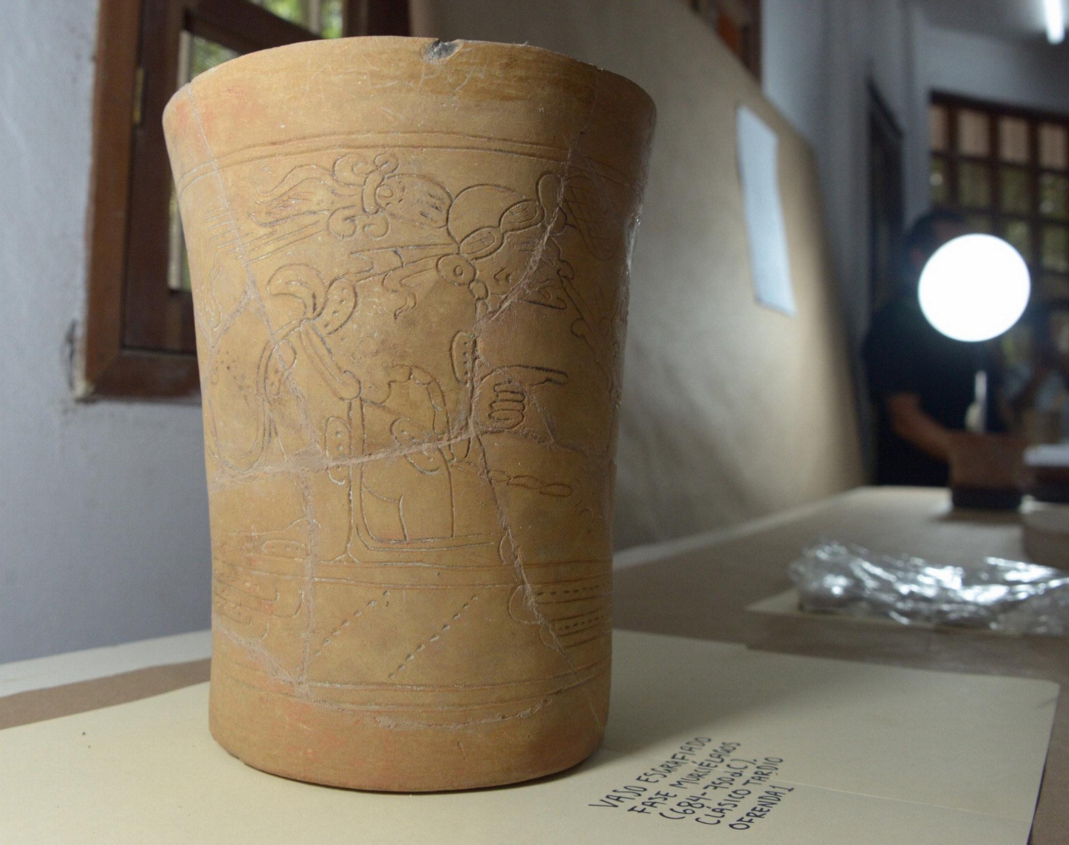 Una vasija encontrada en Palenque, México