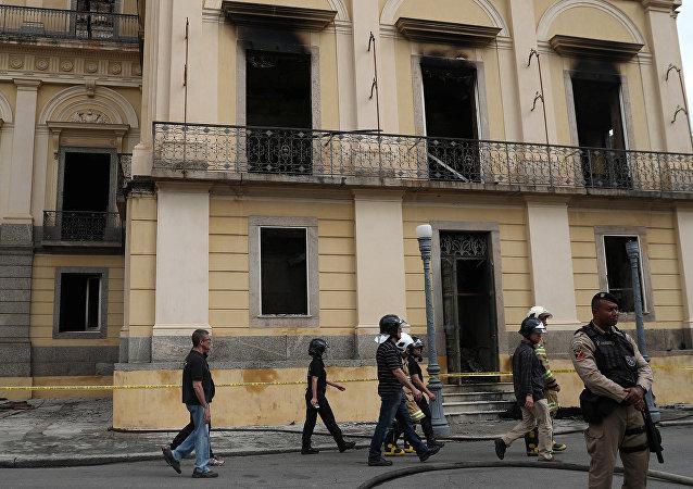 El Museo Nacional tras el incendio en Rio de Janeiro, Brasil