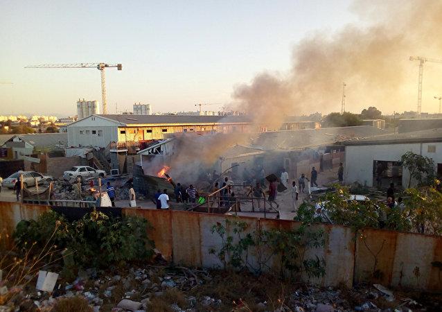 Daños causados por un misil en Trípoli