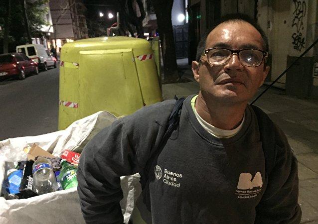 Julio Molina, recolector de las calles de Buenos Aires, Argentina