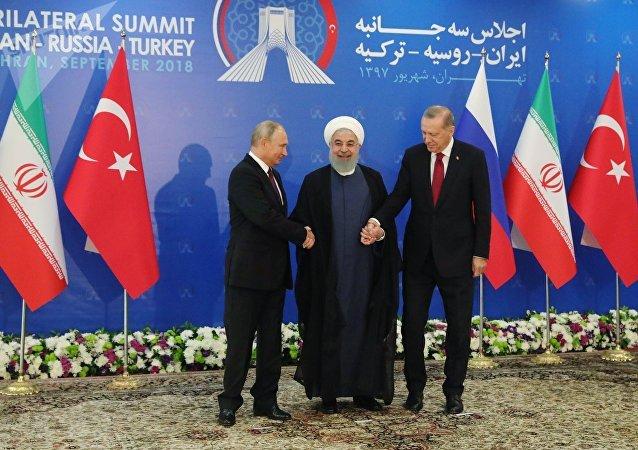 Vladímir Putin, el presidente de Rusia, Hasán Rohaní, el presidente de Irán, y Recep Tayyip Erdogan, el presidente de Turquía