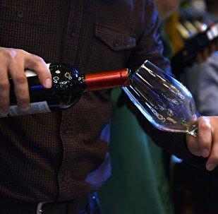 Consumo de vino (imagen referencial)