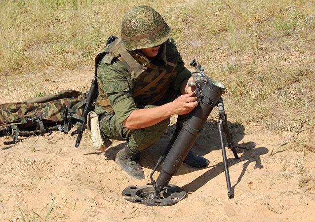 El mortero ruso 2B25 Gall de 82 milímetros