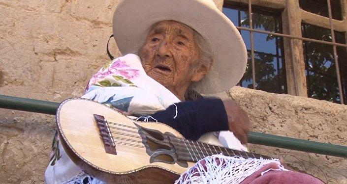 Una boliviana de casi 118 años revela el secreto de su longevidad