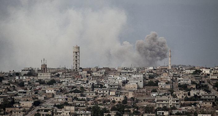 Rebeldes retiran armas pesadas de planeada zona desmilitarizada en norte de Siria