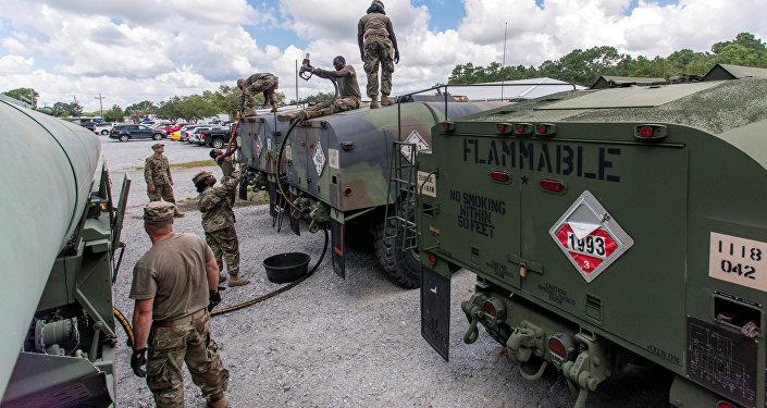 Preparativos de la guardia estadounidense para el huracán Florence
