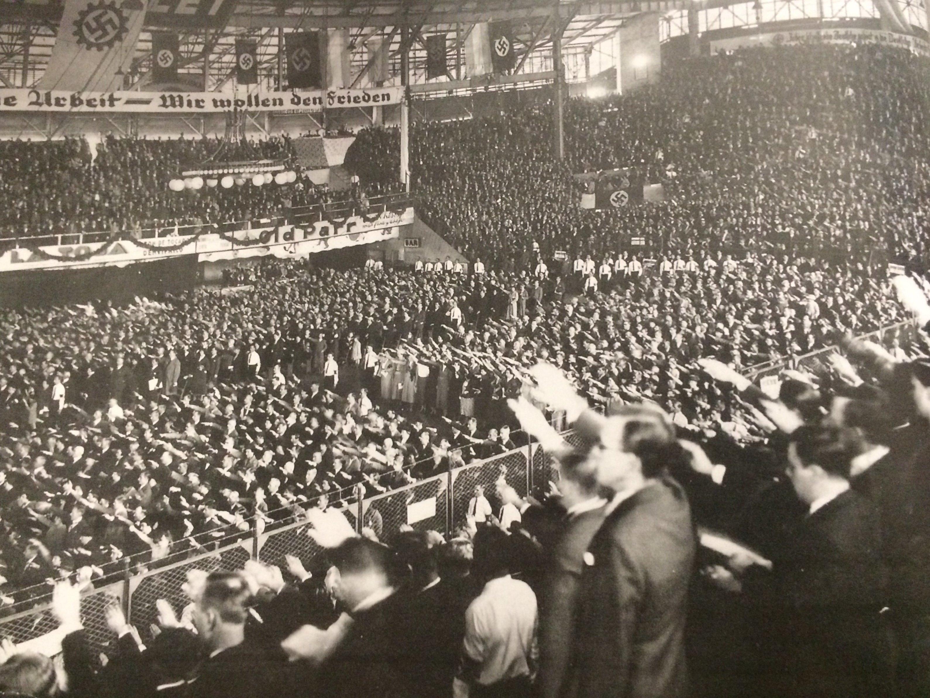 Acto nazi en el Luna Park, 10 de abril de 1938.
