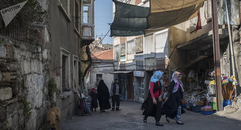 Refugiados sirios en las calles de Esmirna