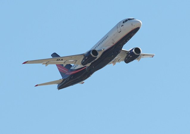 Avión Sukhoi Superjet 100