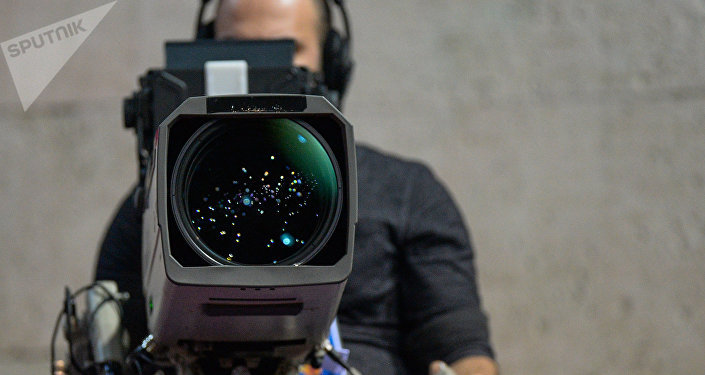 Un operador con una cámara (imagen referencial)