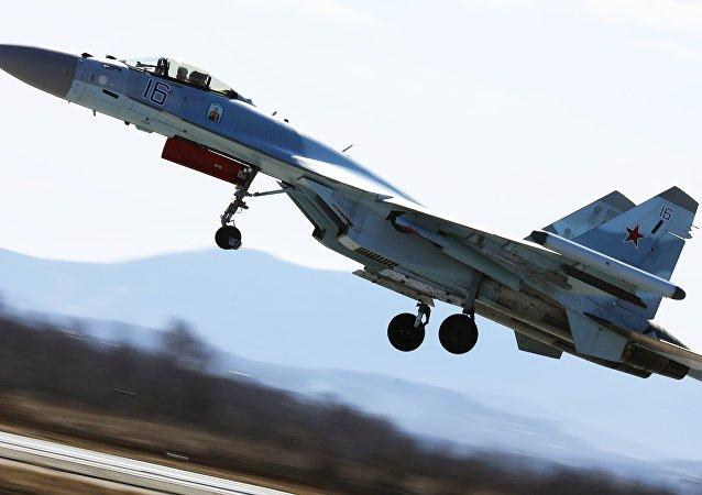 Un Su-35 en la competición aérea Aviadarts 2018